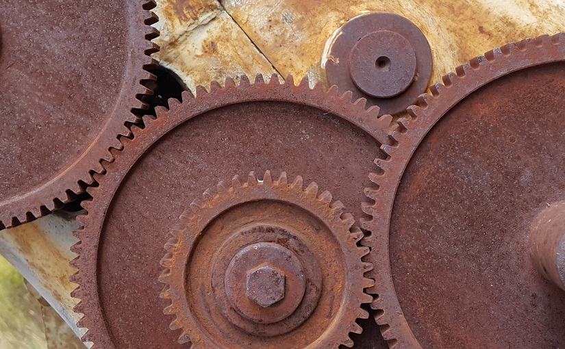 Chain of cogs, engaged